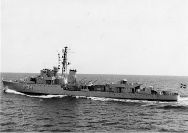 The frigate ESBERN SNARE