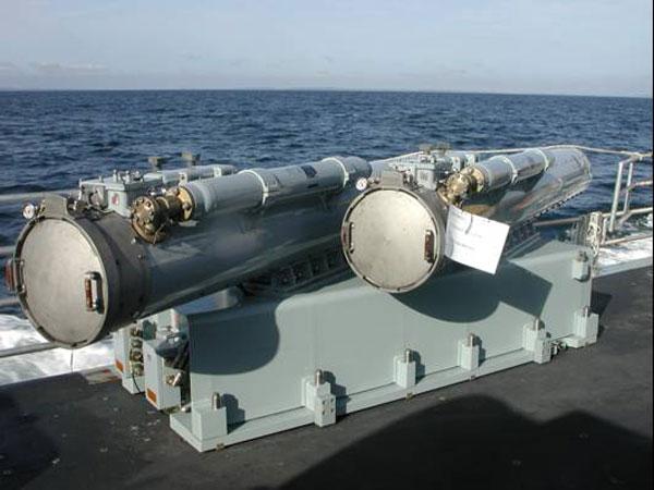 http://www.navalhistory.dk/images/Vaaben/Udvikling/MU90launcherB.jpg